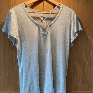Elan cross neck T-shirt